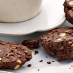 Шоколадные печенья, которые можно приготовить за 20 минут к чаю