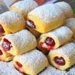«Вишни под снегом» за 30 минут — вкусное и хрустящее печенье с кислинкой