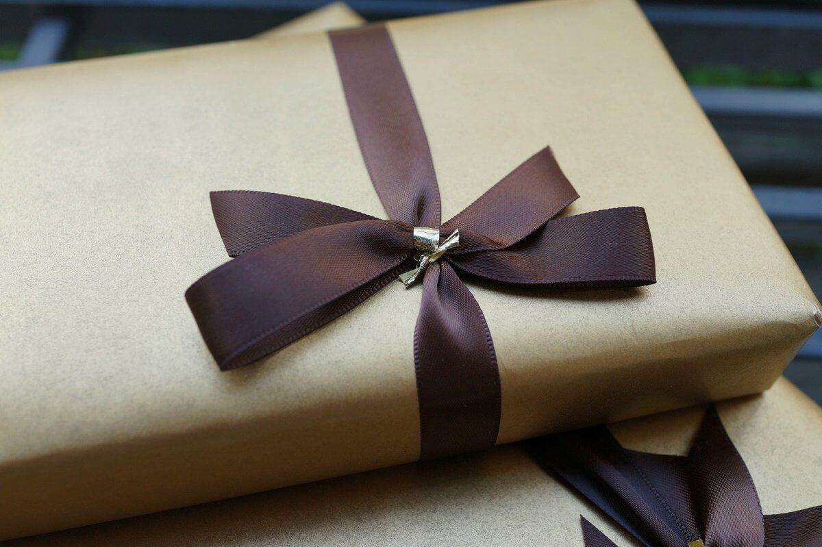Какие подарки не стоит дарить мужчинам на 23 февраля