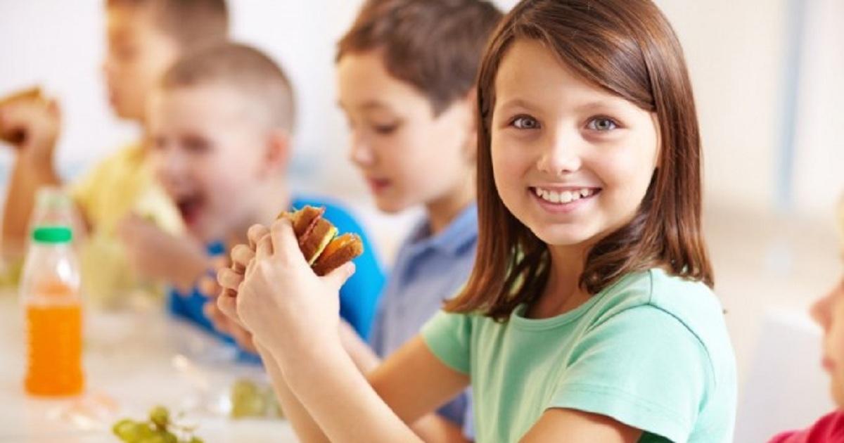 Завтрак для детей-школьников: основные правила и идеи для рецептов